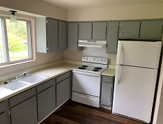 Kitchen, Mackinaw Heights Apartments, 0