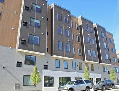 Building, The View at Manayunk Apartments, 0