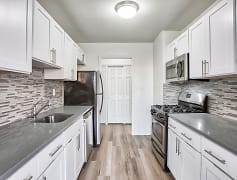 Kitchen, The Park View At 320, 0