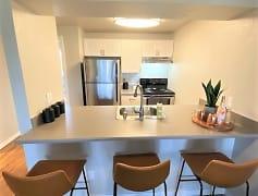 The Lynx Apartments - Kitchen