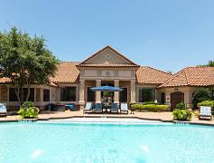 Resort-style saltwater swimming pool