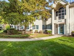 Building, River Park Place Apartments, 0
