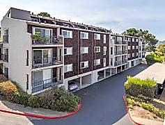 Summit at Sausalito Apartments Exterior