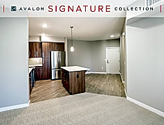 Phase II - Two Bedroom Signature Collection Kitchen/Entry