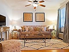 Tiger Manor Apartments - Baton Rouge, LA