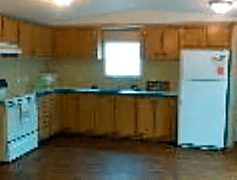 Large Kitchen with Lots of Storage!