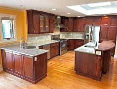 02 kitchen1.jpg