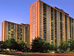 Skyline Towers Apartments
