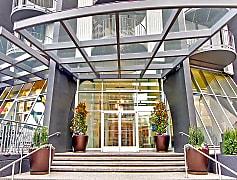 Tower_801_Seattle_WA_BuildingFrontEntrance