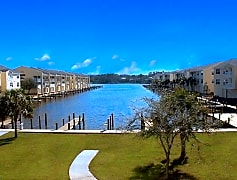 Water Front Living-Harbor Landing