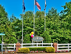 Welcome to Riverwoods Apartments and Townhomes