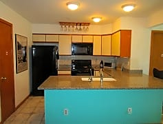 Kitchen (640x476) - Copy.jpg