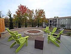 Fire Pit and Grilling Station!