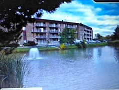 5450 Pond view.jpg