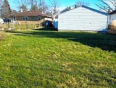 20 - Backyard 3.jpg