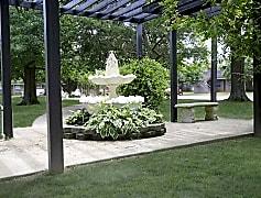 Exterior-Courtyard