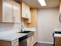 Apartments for Rent in Anaheim, CA - Villa Serrano Kitchen