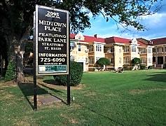 Park Lane Building Exterior at 2095 Poplar Avenue