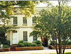 414 E Hall.jpg