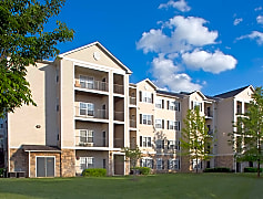 The Reserve at Fairfax Corner Apartments