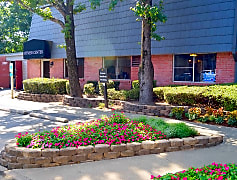 Apartments for Rent at the Briarwood Apartments in Little Rock, AR
