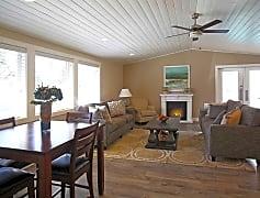Resident Fireside Lounge