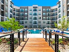 Encore Pool & Courtyard