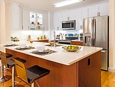 Newly renovated transitional style kitchen
