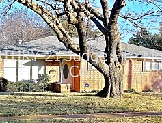Welcome to 406 Huntingdon Dr!
