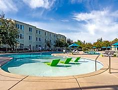 Ramble Resort Style Pool