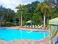 You'll fee like you are on vacation with our resort-style swimming pool.