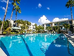 Enjoy cooling off from the Florida sunshine at our beautiful pool, complete with loungers and cabanas.