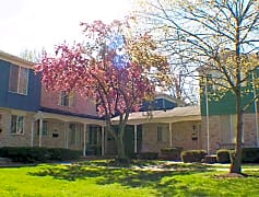 Edgewood Court North Grounds
