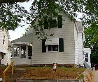 Building, 915 Baraga St NE, 0