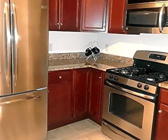 Kitchen, 300 W Elm St, 0