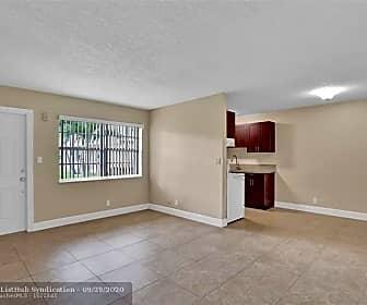 Living Room, 2900 NE 17th Ave 101, 0
