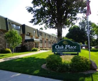 Building, Oak Place Apartments, 0
