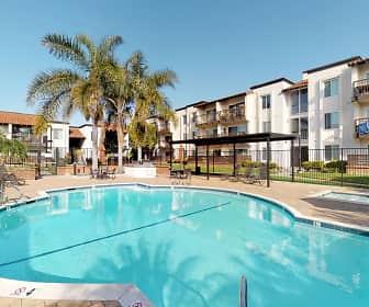 Pool, Huntington Vista, 0