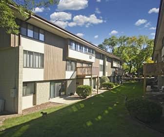 Building, Woodland Court Apartments, 0