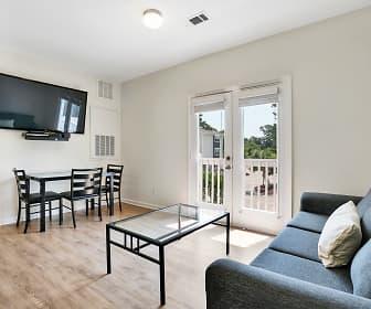 Living Room, Elevation Student Living, 0