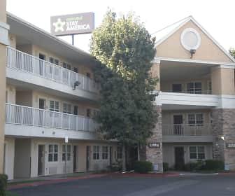 Building, Furnished Studio - Bakersfield - California Avenue, 0