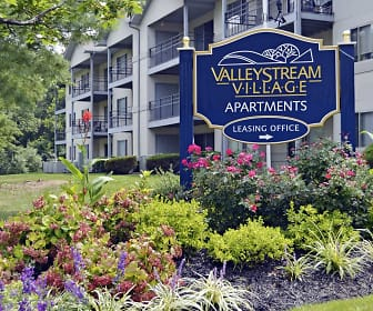 Building, Valley Stream Village Apartments, 0