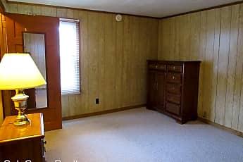 Living Room, 121 S 8th St, 2