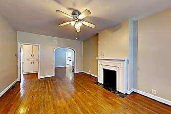 Living Room, 3914 Hawthorne Ave, 1
