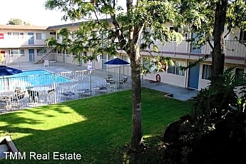 Pool, 13515 Doty Ave, 0