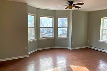 Living Room, 359 N Franklin St, 0