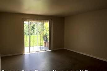 Living Room, 2807 Hightower Ave S, 1