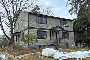 Building, 27 Turkey Hill Rd N, 0