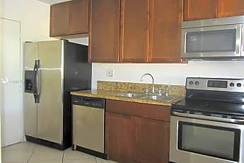 Kitchen, 1465 NE 123rd St 303, 0