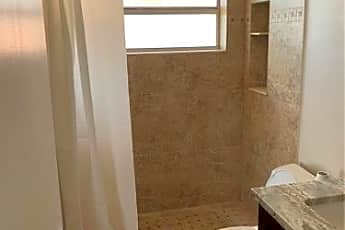 Bathroom, 5 Independence Ct, 2